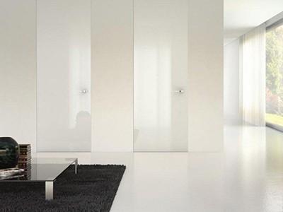 Drzwi wysokie lakierowane na wysoki połysk do sufitu